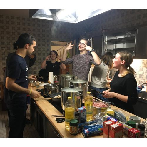 In diesem Semester sind wir auch auf unser legendäres Redaktionswochenende nach Haidmühle gefahren, bei dem wir ganze 8 kg Reis gekocht und gegessen haben.
